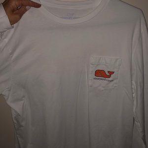 Vineyard Vines men long sleeve basketball shirt